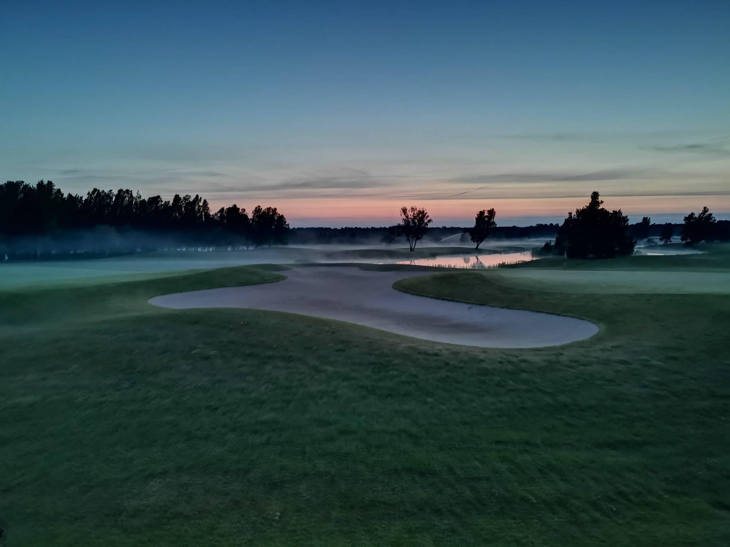Saare Golf päikeseloojang